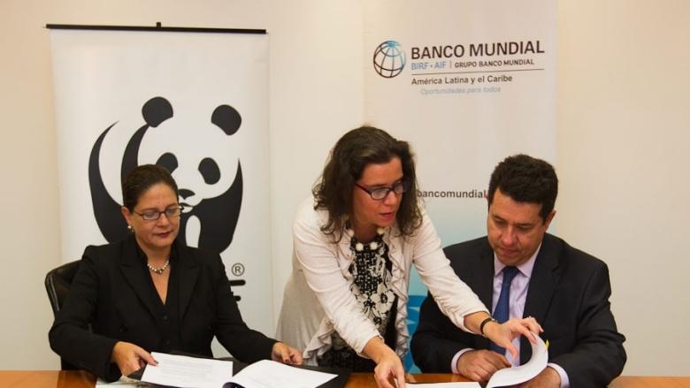 El Banco Mundial y WWF Perú firman proyecto para proteger a 130 comunidades amazónicas